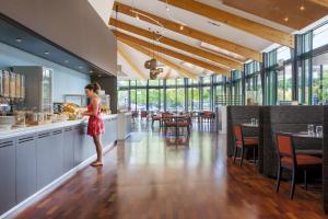 Novotel Rotorua Lakeside, Hotely  Rotorua - big - 30