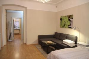 Apartment Moravská, Apartments  Karlovy Vary - big - 27