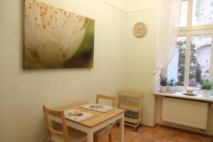 Apartment Moravská, Apartments  Karlovy Vary - big - 28