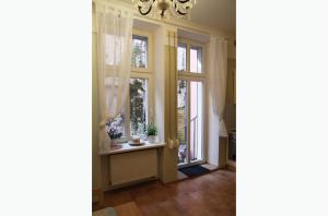 Apartment Moravská, Apartments  Karlovy Vary - big - 29