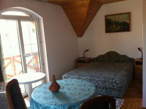 Hortenzia Apartmanház, Apartments  Balatonlelle - big - 19