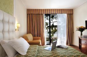 Hotel Villa Capri, Hotel  Gardone Riviera - big - 6