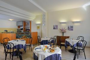 Astor Hotel, Hotels  Bologna - big - 34