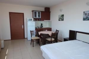 Menada Esperanto Apartments, Apartmány  Slunečné pobřeží - big - 55
