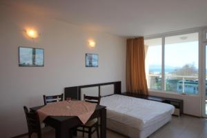 Menada Esperanto Apartments, Apartmány  Slunečné pobřeží - big - 56