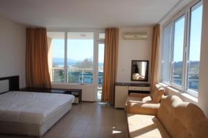 Menada Esperanto Apartments, Apartmány  Slunečné pobřeží - big - 57