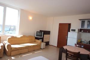 Menada Esperanto Apartments, Apartmány  Slunečné pobřeží - big - 58