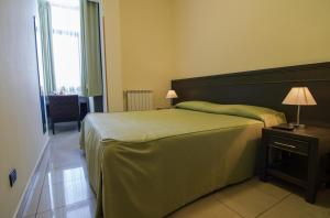La Terrazza, Bed & Breakfast  Aci Castello - big - 6