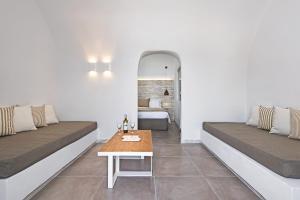 Athina Luxury Suites, Hotels  Fira - big - 25