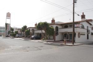 Hotel Las Dunas, Hotel  Ensenada - big - 1
