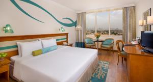 Coral Beach Resort Sharjah, Курортные отели  Шарджа - big - 2