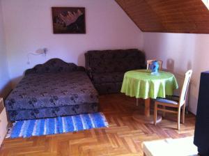 Hortenzia Apartmanház, Apartments  Balatonlelle - big - 12