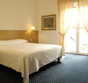 Albergo Al Caminetto, Hotels  Nago-Torbole - big - 5