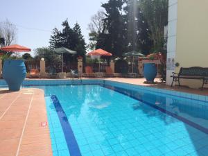 Bueno Hotel, Residence  Platanes - big - 10