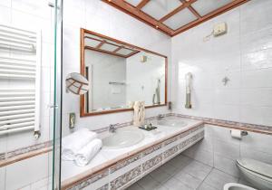 Hotel Villa Capri, Hotel  Gardone Riviera - big - 17