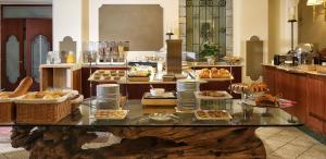 Hotel Villa Capri, Hotel  Gardone Riviera - big - 25