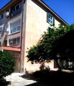 SUNNY apartment in the city centre, Apartmanok  Zára - big - 2