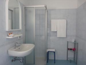 Hotel Alpino, Szállodák  Malcesine - big - 31