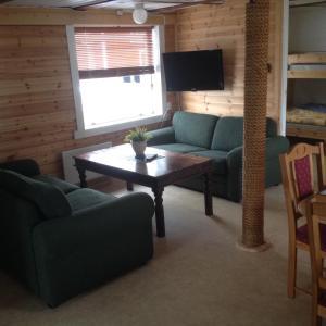 Hammerstad Camping, Комплексы для отдыха с коттеджами/бунгало  Сволваер - big - 19