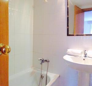 Apartamento Botafoch II, Apartmány  Ibiza (mesto) - big - 17