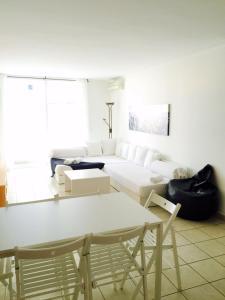 Apartamento Botafoch II, Apartmány  Ibiza (mesto) - big - 10