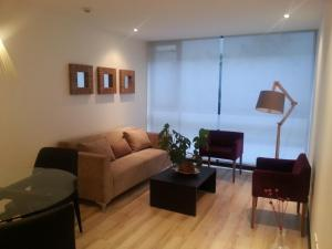 Suites Metropoli Bristol Park, Апартаменты  Кито - big - 20