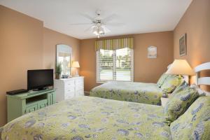 Three-Bedroom Villa with Park View