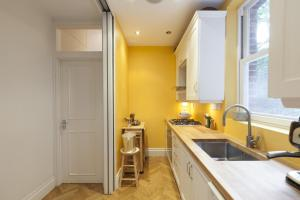 onefinestay - South Kensington private homes II, Apartmány  Londýn - big - 81