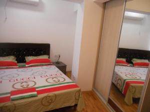 Bulatovic Five Stars Apartment, Apartmány  Bar - big - 14