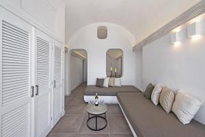 Athina Luxury Suites, Hotels  Fira - big - 52
