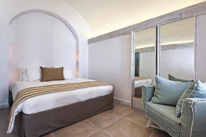 Athina Luxury Suites, Hotels  Fira - big - 55