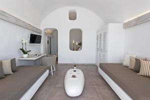 Athina Luxury Suites, Hotels  Fira - big - 57