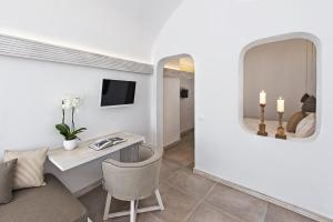 Athina Luxury Suites, Hotels  Fira - big - 58