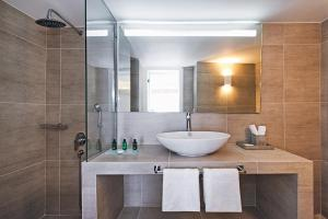 Athina Luxury Suites, Hotels  Fira - big - 10