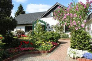 Ferienwohnung Sommerwind, Apartmány  Rhauderfehn - big - 1