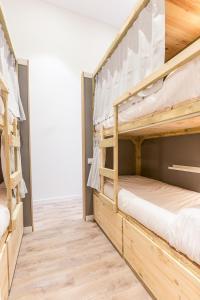 Basic Quadruple Room with Private Bathroom