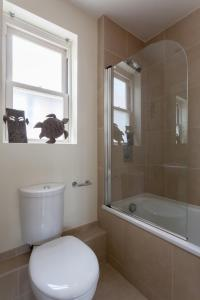 onefinestay - South Kensington private homes II, Apartmány  Londýn - big - 128
