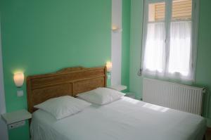 Hôtel Lac Et Forêt, Hotels  Saint-André-les-Alpes - big - 31