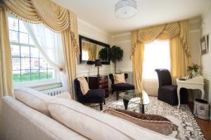 Superior King Suite