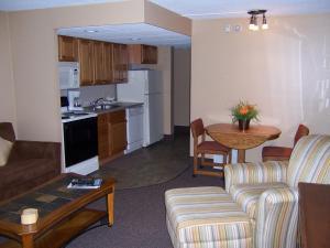 Pinestead Reef Resort, Aparthotels  Traverse City - big - 19