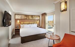 Hotelværelse med queensize-seng