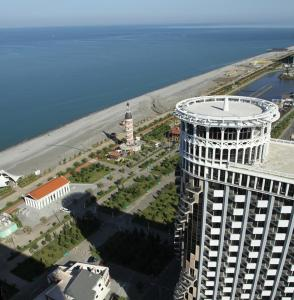 Black Sea Tower, Apartmanok  Batumi - big - 10