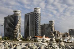Black Sea Tower, Apartmanok  Batumi - big - 11
