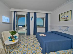 Hotel Villa Miralisa, Отели  Искья - big - 4