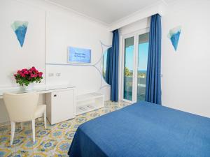 Hotel Villa Miralisa, Отели  Искья - big - 3