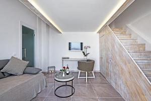Athina Luxury Suites, Hotels  Fira - big - 112