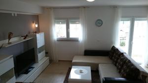 Apartment Sure, Apartmanok  Sveti Filip i Jakov - big - 1