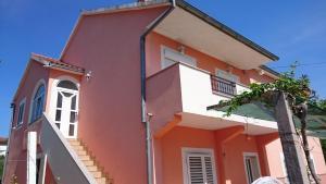 Apartment Sure, Apartmanok  Sveti Filip i Jakov - big - 11