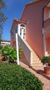 Apartment Sure, Apartmanok  Sveti Filip i Jakov - big - 9
