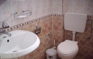 Guest House Lazur, Penziony  Obzor - big - 12
